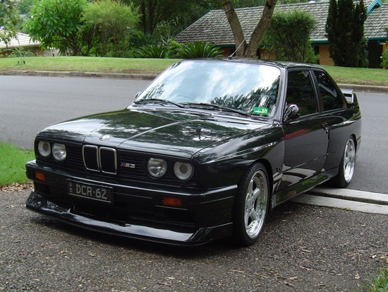 BMW M3 (E30) – These cars are so gorgeous!